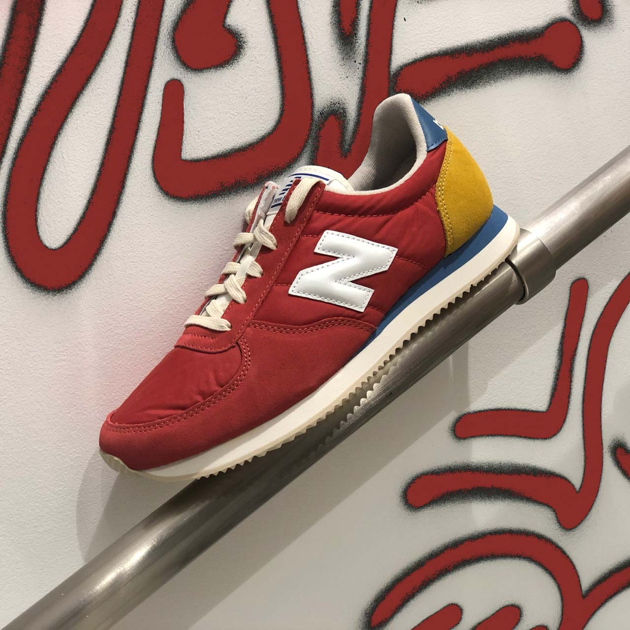 New Balance 220 sneakers phaarel